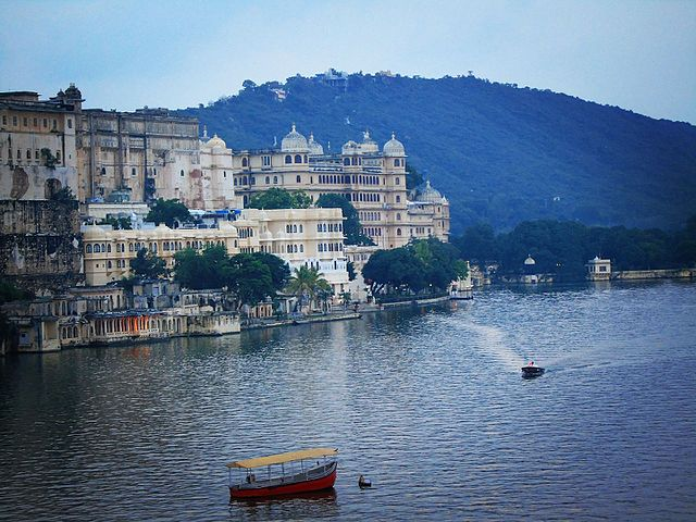 Udaipur City of lakes Ambrai Ghat