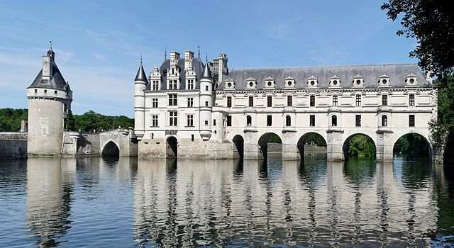 Paris Travel Guide and places to visit Chenonceau Chateau.